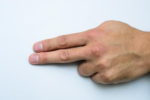 やすりで丁寧に削った、阿川さんの爪