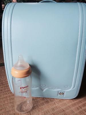 娘ちゃんのランドセルと哺乳瓶