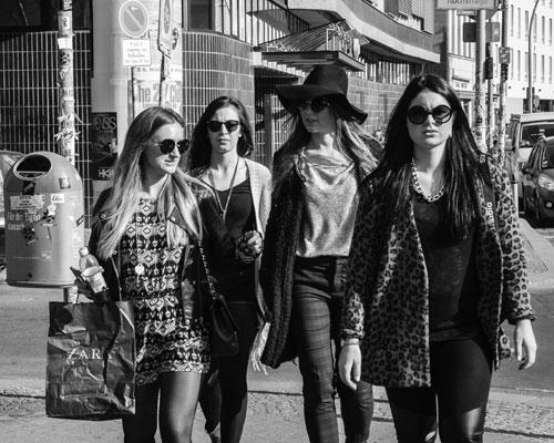 「ブスは性欲が強い」に反論! ハプニングバーに集う女性は千差万別の画像1