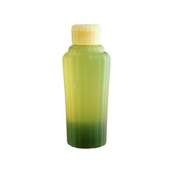 「アユーラ (AYURA) メディテーションバスα 300mL 〈浴用 入浴剤〉 アロマティックハーブの香り」 出典:amazon