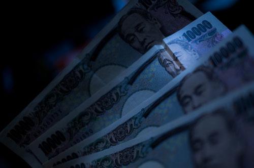 「風俗嬢は金銭感覚が狂いやすい」は本当 「風俗で高収入を得ているわりには貯金が貯まらない」の画像1
