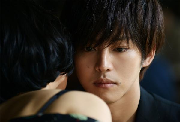 松坂桃李『娼年』での高速手マン&高速ピストン=エクスタシーにツッコミ!!の画像1