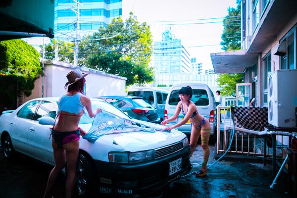 セクシー洗車女子ズ