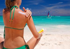 紫外線をカットする「飲む日焼け止め」の活用を